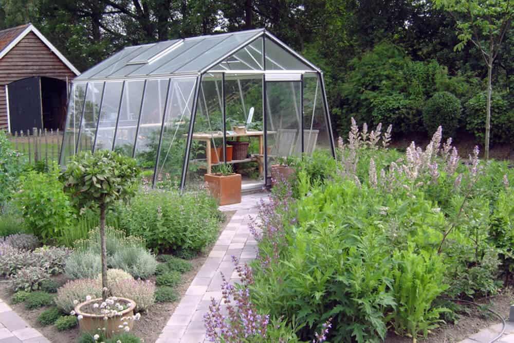 Quelques conseils de base avant d acheter une serre l for Acheter une serre de jardin