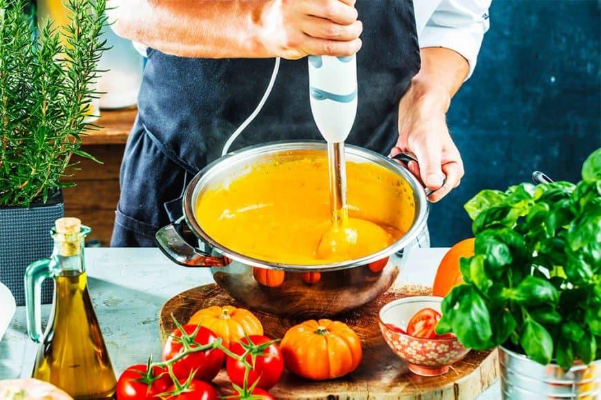 Velouté de potimarron au lait de coco et curry doux