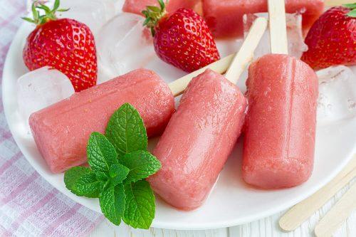 Glace à l'eau à la fraise